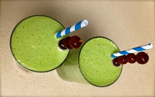 Grape-Pineapple Green Smoothie